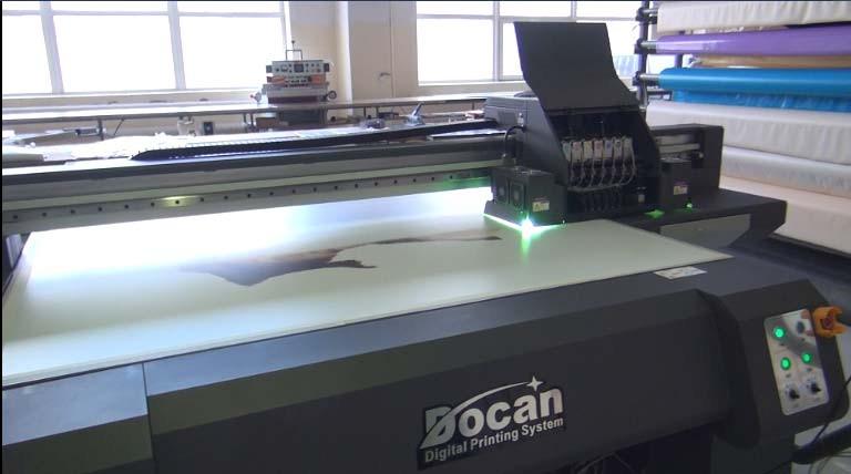 Фото печать на мебели и твердых материалах - принтер